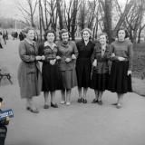 Краснодар. Студенты КИПП на бульваре на улице Красной.