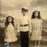 Екатеринодар. Дети Леона Гана (слева направо): Нелли, Эмиль и Матильда