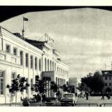 Аэропорт - вид со стороны площади