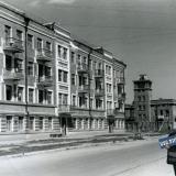 Краснодар. Дом по ул. Зиповская 1 и военный автопарк № 534 на ул. Зиповской 3, сентябрь 1942 года