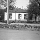 Краснодар. На улице Октябрьской. № 81. Перекрёсток с Ленина, вид на запад.