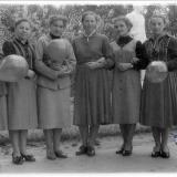 Краснодар. У памятника А.М. Горькому в Горпарке, после 1965