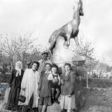 Краснодар. В сквере им. Свердлова, 1 мая 1958 года.