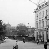 Краснодар. Перекрёсток улиц Красной и Мира, вид на Восток, на стройку дома № 44 по улице Мира