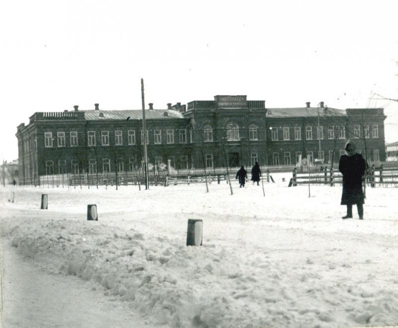 Ейск. Ксенинская женская гимназия, около 1912 года