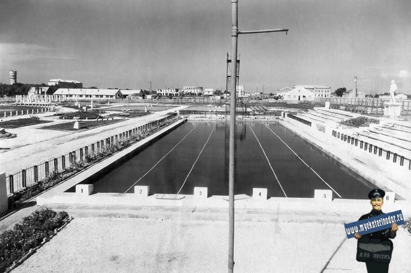Ейск. Плавательный бассейн ейского авиаучилища