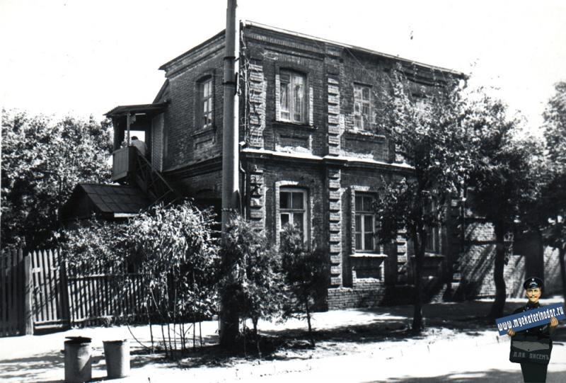 Краснодар. Фрунзе улица, ближе к Чапаева, вид на восток