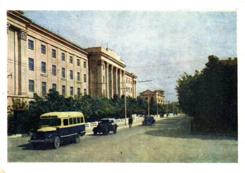 Краснодар. Монтажный техникум (угол ул. Седина и Мира)