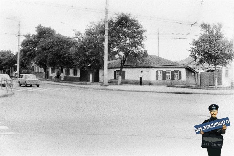 Краснодар. На углу улиц Северной и Тургенева. 1978 год.