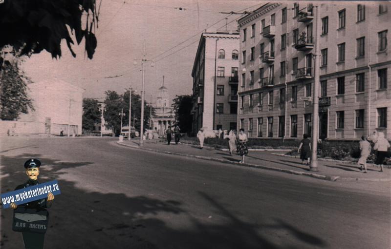 Краснодар. Угол улиц Мира и Ленина, вид в сторону ЖД вокзала, 1963 год