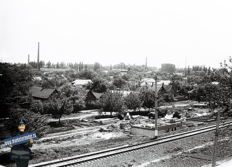 Краснодар. Вид с первого Северного моста на юго-восток Краснодара, 1978 год.