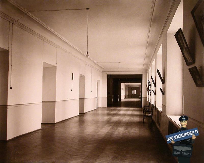 Екатеринодар. Кубанский мариинский женский институт. 25.10.1913 год. Перспектива коридора на одном из этажей