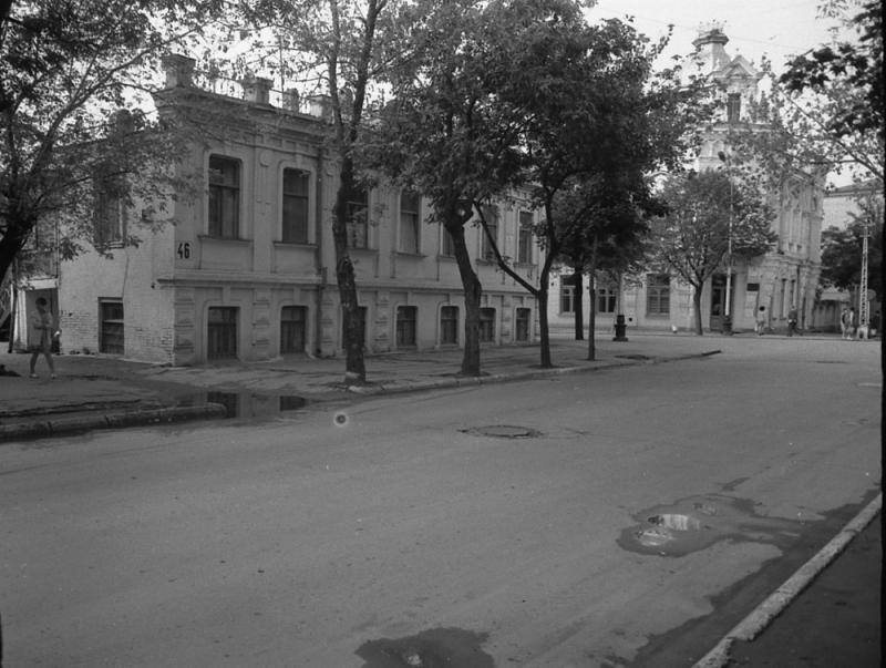 Краснодар. Советская улица после перекрёстка с Красной