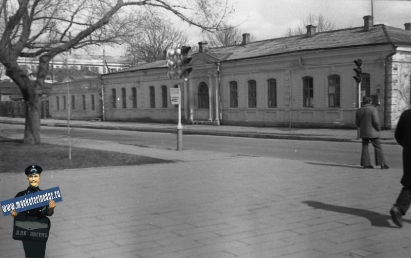Краснодар. Угол улиц Октябрьской и Постовой (Тельмана), около 1977 года, вид на северо-восток