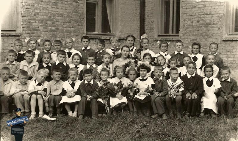 """Краснодар/ Ученики 1 """"Г"""" класса ср. школы № 42, 1961 год"""