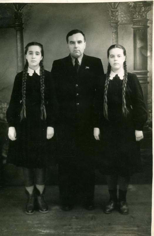 Краснодар, 1951 г. Ученицы школы №36.