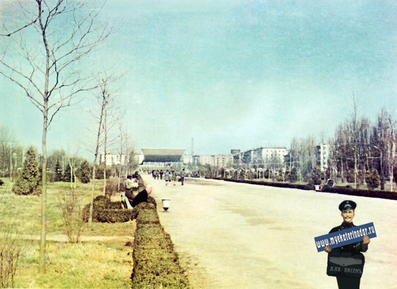 Краснодар. Бульвар на улице Красной.
