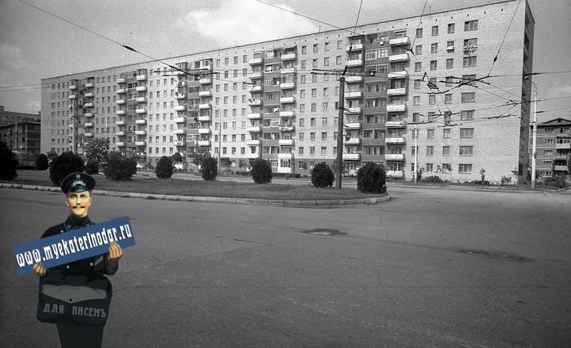 Краснодар. Девятиэтажный жилой дом, улица Тургенева 145