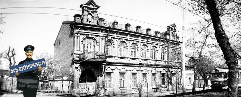 Краснодар. Дом пионеров и школьников Первомайского района, Коммунаров, 119. 1987 год.
