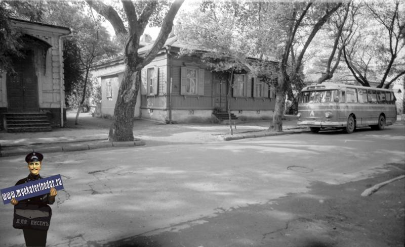 Краснодар. Дом по ул. Советской 54. 1977 год