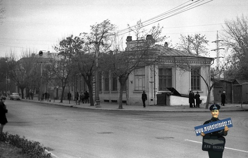 Краснодар. Красная улица, перекресток с улицей Крестьянской, 1964 год.