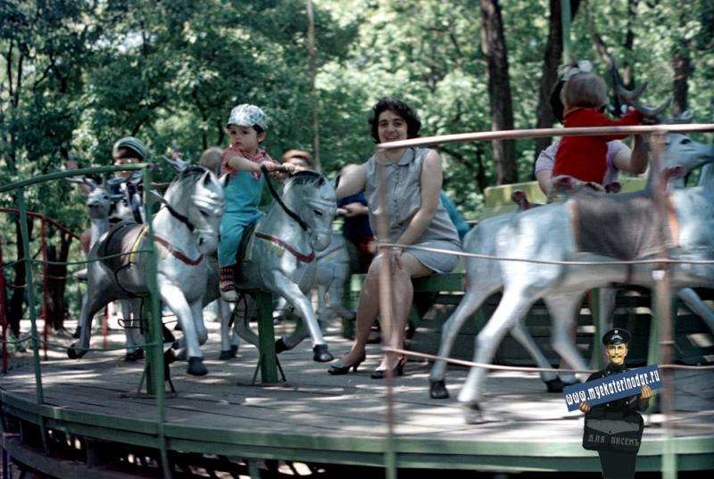 Краснодар. Горпарк, детская площадка, 1971 год