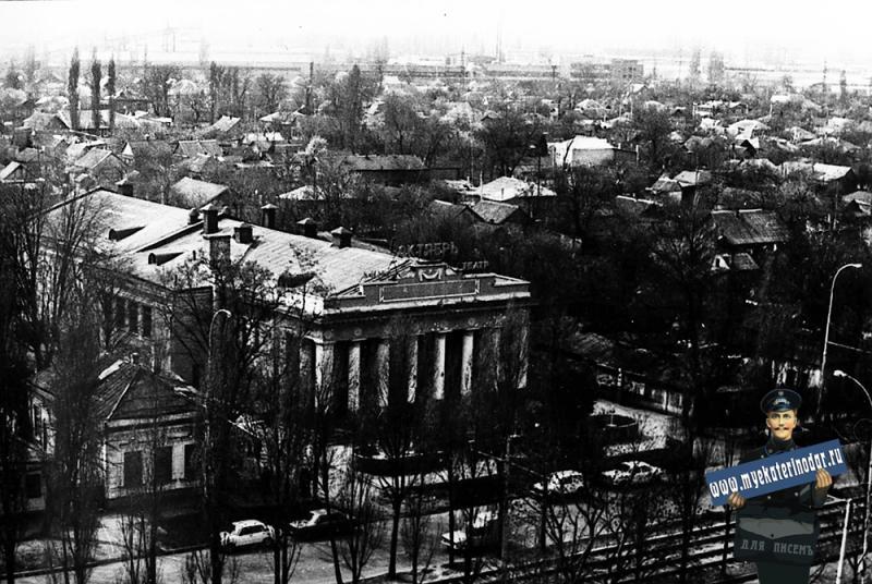 """Краснодар. Кинотеатр """"Октябрь"""", 1991 год"""