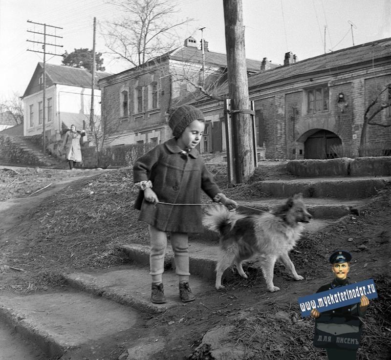 Краснодар. На углу Кирова и Комсомольской, вид на юго-восток. 70-е
