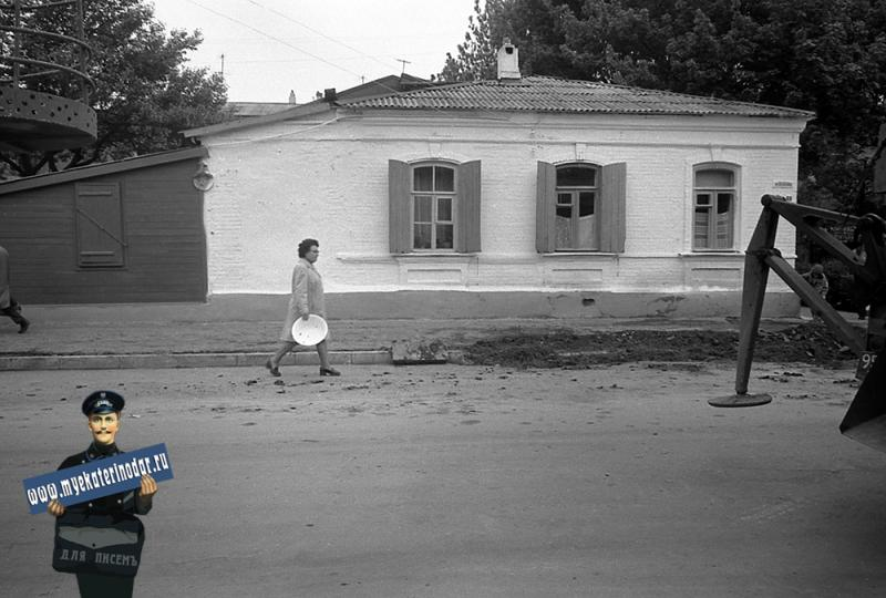 Краснодар. На улице Октябрьской. № 68