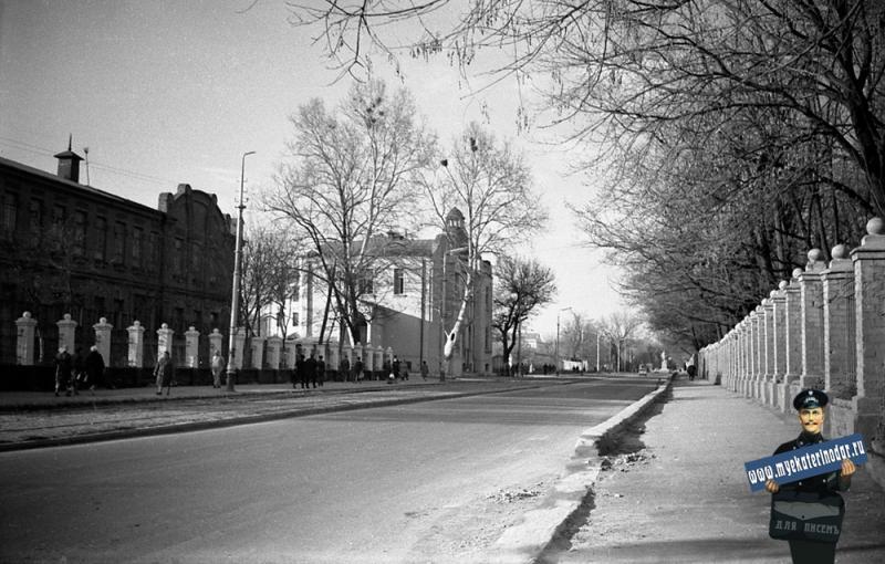 Краснодар. На улице Захарова, апрель 1970 года.