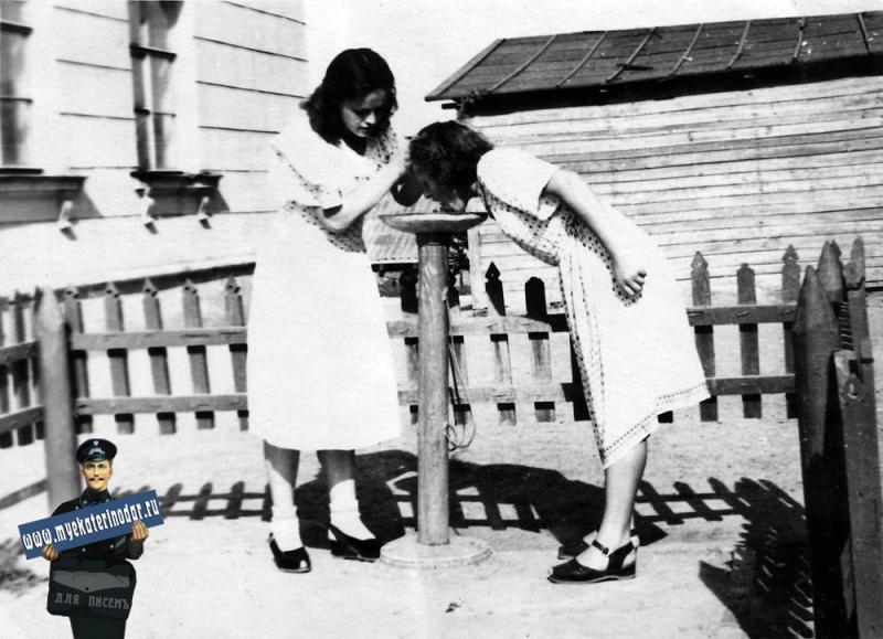 Краснодар. Нефтяной техникум 50-е годы.