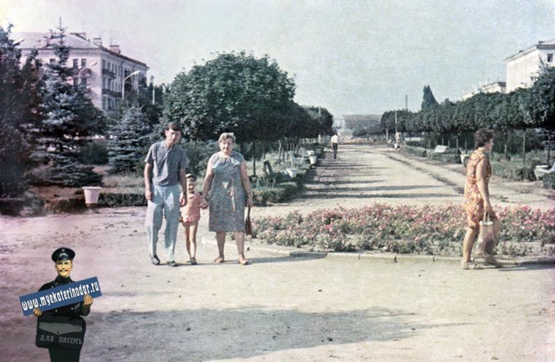 Краснодар. Перекресток ул. Красной и Бабушкина, вид на север, 1970 год.