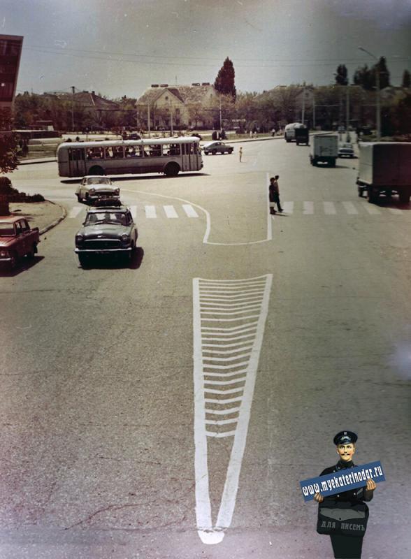 Краснодар. Перекресток ул. Красной и Офицерской, 1971 год