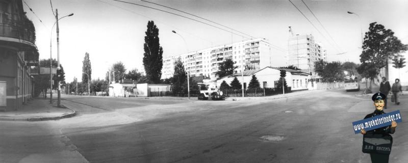 Краснодар. Перекрёсток улиц Суворова и Мира. 1989 год.