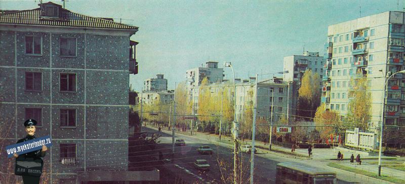 Краснодар. Северо-западный жилой район. Застройка по улице Атарбекова. Ноябрь 1985 года.