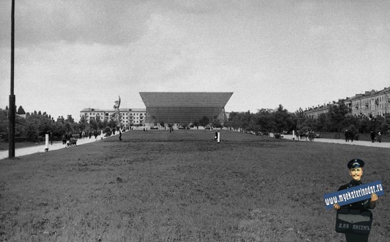 """Краснодар. Широкоформатный кинотеатр """"Аврора"""", перед открытием. Фото 3"""
