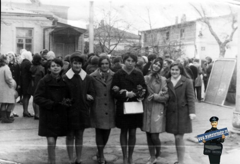 Краснодар. Школа № 48. 1970 год. 7 ноября