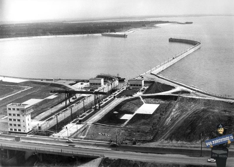 Краснодар. Судоходный шлюз с аванпортом Краснодарского водохранилища, 1976 год