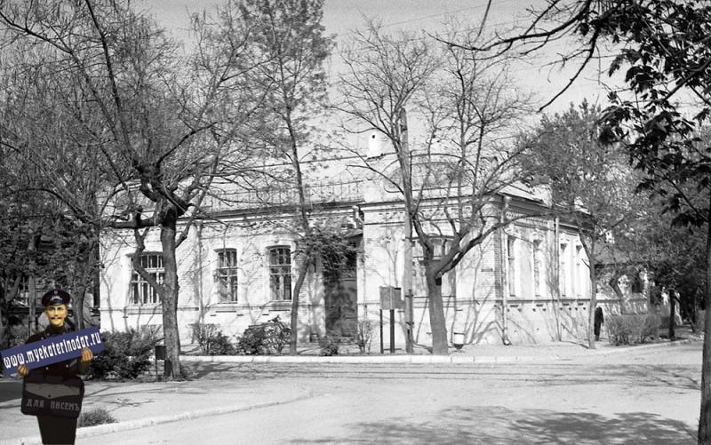 Краснодар. Угол улиц Коммунаров и Комсомольской, 6 мая 1965 года