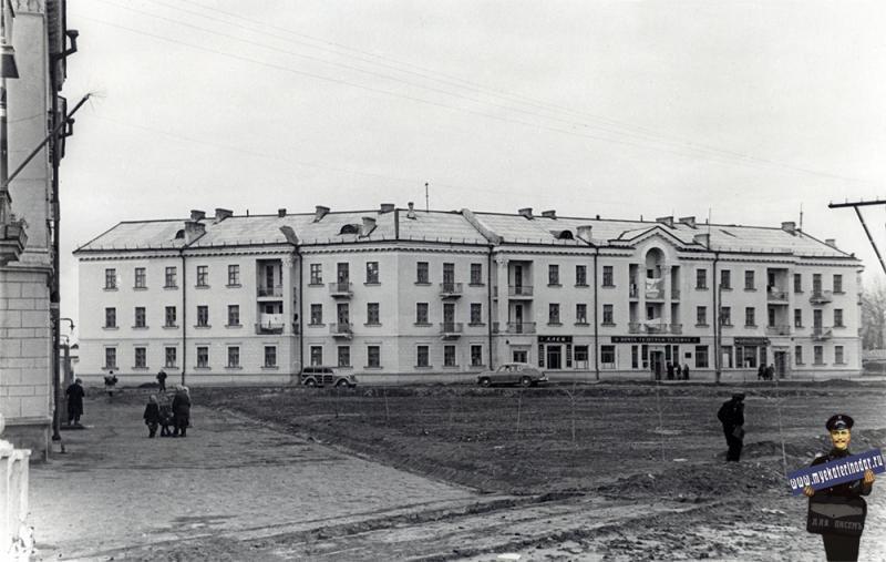Краснодар. Угол улиц Светлой и Сталина.