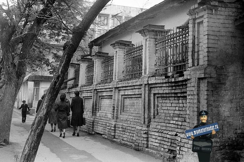 Краснодар. Ул. Шаумяна, 43, конец 1970-х