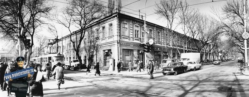 Краснодар. Улица Красная, 83/Горького 103
