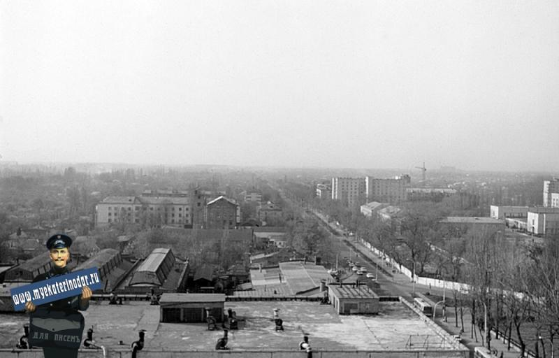 Краснодар. Вид на город с перекрёстка улиц Октябрьской и Северной