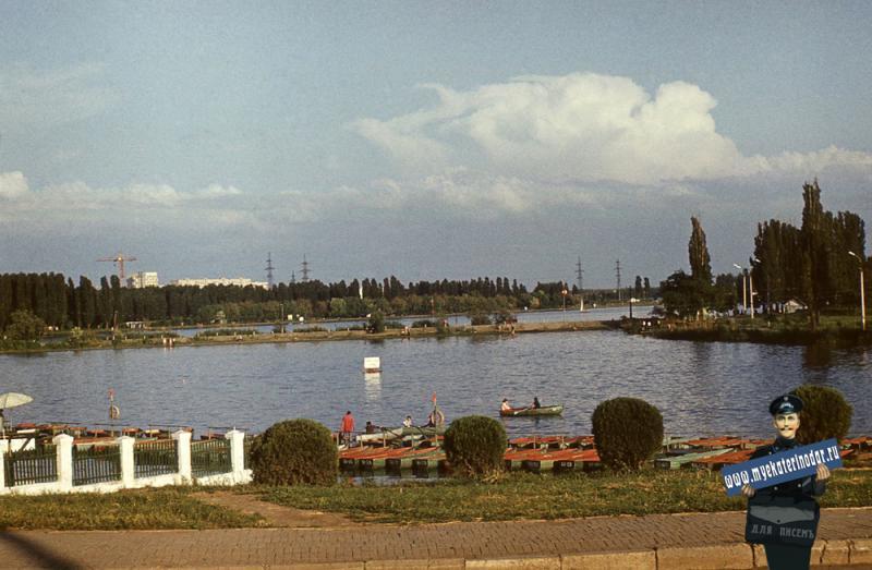 Краснодар. Вид на старую Кубань от моста к парку 40-летия Октября