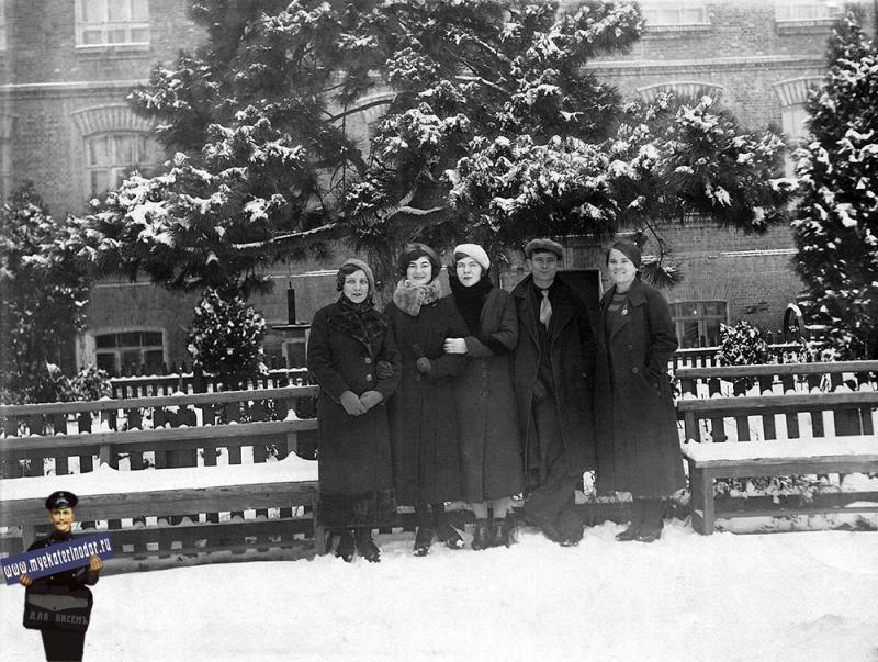 Краснодар. Возле здания КСХИ, 4 января 1939 года