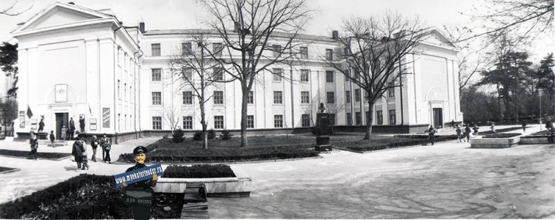 Краснодар. Здание СШ №48, 1987 год