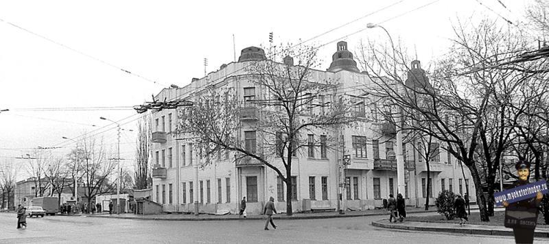 Краснодар. Жилой дом на ул. Красной 160, 05.12.1981.