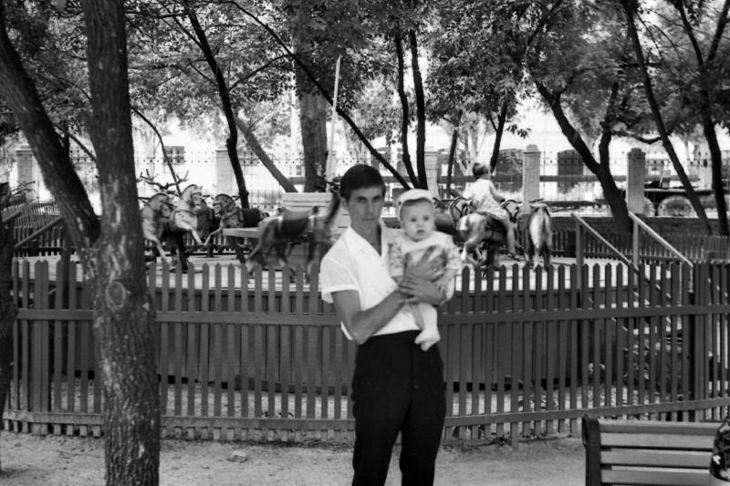 Краснодар. Вид из Парка Горького на улицу Захарова