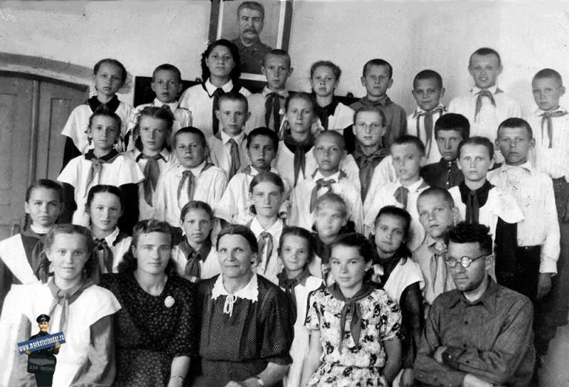 Ст. Пашковская. СШ № 4. 3-й класс, 1953 год