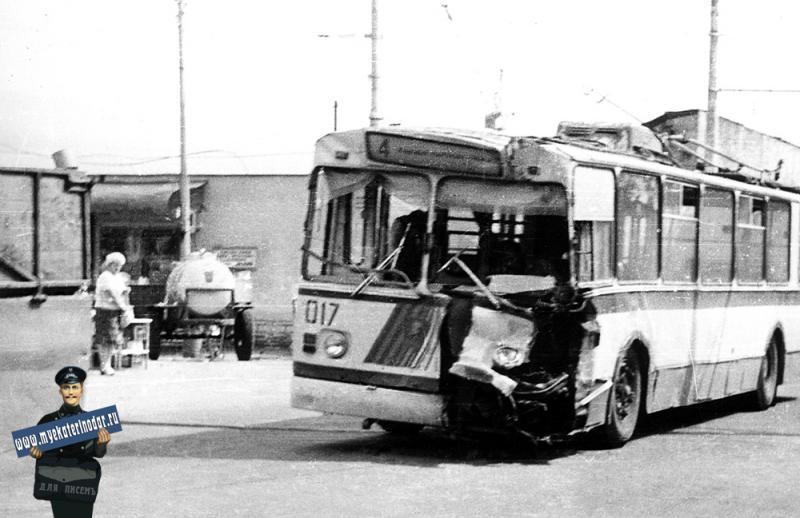 Краснодар. Троллейбус Маршрут № 4 на улице Октябрьской